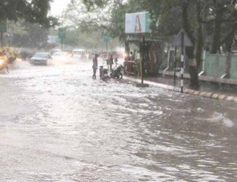 દક્ષિણ ગુજરાતમાં ધોધમાર વરસાદથી માહોલ ગુલાબી